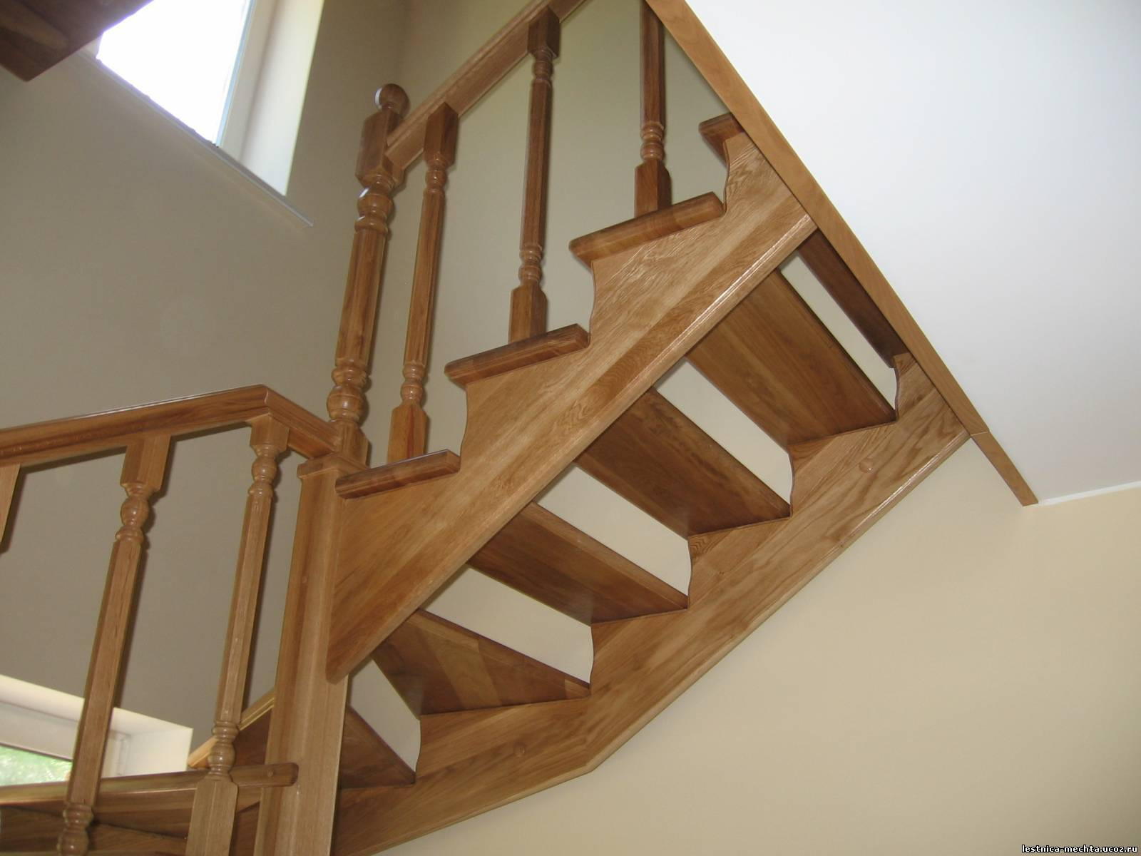 Лестница косоур своими руками из дерева
